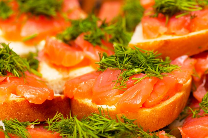 Фотография бутербродов с красной рыбой