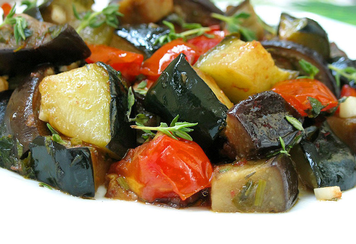 овощное рагу с баклажанами и капустой в мультиварке