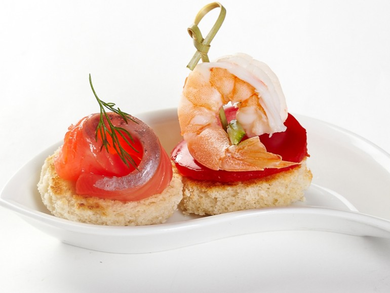 canapes-with-prawns