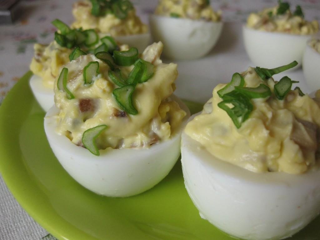 яйца фаршированные сельдю